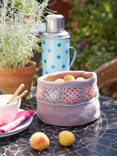 Im Sommer können Sie den Korb mit Brot oder Früchten auf dem Tisch dekorieren, im Winter Ihre Häkelutensilien verstauen. Hier geht es zur