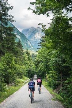 The Warm Up Ride is always a great introduction of what awaits our Roadventure riders! The Slovenian Warm Up was no different! Cycling Outfit, The Good Place, Bike, Warm, Celebrities, Travel, Bicycle, Celebs, Viajes