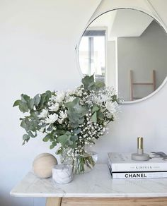 Styling a home on a budget has always been somewhat of a challenge. However, as society relies more and more on DIY furniture & decor people have begun to be able to access design and decoration on a new level. Diy Furniture Decor, Interior And Exterior, Interior Design, Cozy Room, House Rooms, Dream Bedroom, Planting Flowers, Sweet Home, Room Decor