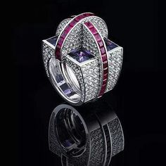 I'm obsessed with this stunning architectural ring from @georghornemann