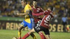Triplete de Raúl Ruidíaz en el Clausura de México http://www.sport.es/es/noticias/futbol-america/triplete-raul-ruidiaz-clausura-mexico-6008822?utm_source=rss-noticias&utm_medium=feed&utm_campaign=futbol-america