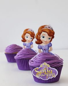 Nothing makes a celebration complete like a festive cupcake! We just threw a little Sofia the First Princess and pirate party with blueberry cupcakes Princess Sofia Birthday, Sofia The First Birthday Party, 4th Birthday Parties, Princess Party, Princess Cupcakes, Cake Birthday, Disney Princess, Birthday Ideas, Sofia Cupcakes
