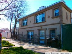 House For Sale in 239 FOCH AVE, South Beach, NY 10305