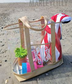 Heading to the beach or pool this summer? This Monogrammed Beach Bag is perfect . - Heading to the beach or pool this summer? This Monogrammed Beach Bag is perfect . Bridesmaid Bags, Wedding Bridesmaids, Vintage Cowgirl, Monogram Keychain, Marley Lilly, Boat Accessories, Clear Bags, Kids Bags, Summer Essentials