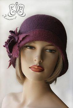 gorgeous colour and shape Fancy Hats, Cute Hats, 1920s Hats, Flapper Hat, Types Of Hats, Stylish Hats, Love Hat, Bandeau, Headgear