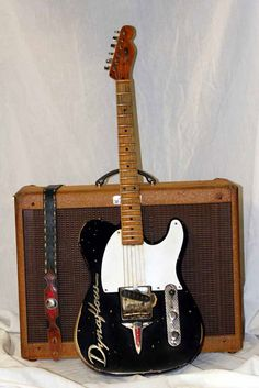 Dynaflow guitar from KLH Relics.  Nice Tele.