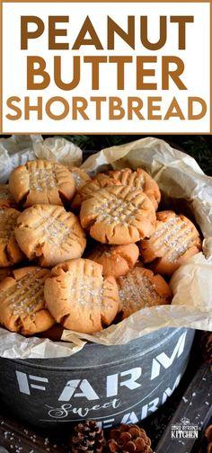 Peanut Butter Shortbread Cookies - Lord Byron's Kitchen Crinkle Cookies, Butter Shortbread Cookies, Yummy Cookies, Best Shortbread Cookie Recipe, Xmas Cookies, Christmas Baking Ideas Cookies, Christmas Shortbread Cookies, Easy Christmas Baking Recipes, Healthy Christmas Cookies