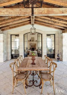 Rustic French, French Country House, French Decor, French Country Decorating, Style At Home, Grange Restaurant, Esstisch Design, Sweet Home, Rustic Home Design
