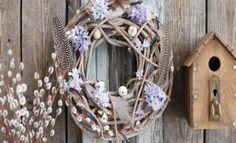2+kk s vůní levandule: Romantický byt porušuje pravidla - HomeInCube Grapevine Wreath, Grape Vines, Wreaths, Outdoor Decor, Design, Home Decor, Decoration Home, Door Wreaths, Room Decor