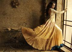 Bollywood, Tollywood & Más: Sonakshi Sinha Photoshoot Namrata Soni makeup & hair Bollywood, Sonakshi Sinha, Desi, Victorian, Photoshoot, Asian, Makeup, Hair, Dresses