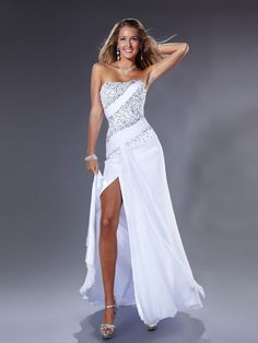 White formal dresses – White colour are the symbol of purity and sensuality. By placing white colour into a beautiful dress will make a wonderful dress that