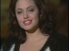Nose job Angelina Jolie Angelina Jolie Nose Job, Gia Carangi, Video Clip, Plastic Surgery, Cap, Fashion, Fotografia, Baseball Hat, Moda