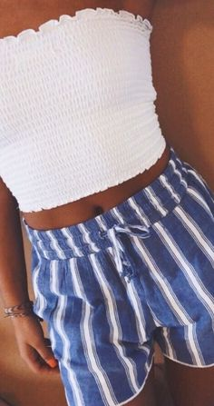 cute outfits for school ; cute outfits with leggings ; cute outfits for winter ; cute outfits for women ; cute outfits for school for highschool ; cute outfits for spring Casual Outfits For Moms, Trendy Summer Outfits, Teen Fashion Outfits, Fall Outfits, Fashion Ideas, Fashion Fashion, Nice Outfits, Summer Outfits For Vacation, Summer Clothes For Teens