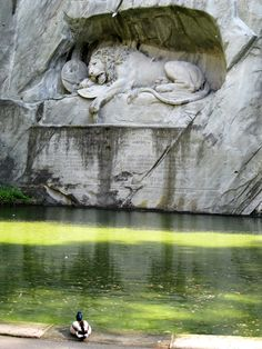 The Dying Lion Monument in Lucerne, Switzerland The Places Youll Go, Places To See, Lion Monument, Recoleta Cemetery, Ancient Ruins, Beautiful Places In The World, Land Art, Abandoned Places, Nature Photos