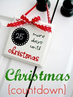 Ginger Snap Crafts: festive friday {christmas countdown} Could easily do any countdown-vacation school wedding Christmas Countdown Crafts, Christmas Vinyl, Little Christmas Trees, Christmas Projects, All Things Christmas, Winter Christmas, Handmade Christmas, Holiday Crafts, Holiday Fun