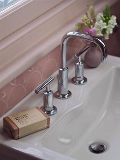 Kohler Purist Taps in Chrome in an ensuite. Modern Bathroom Design, Bathroom Interior Design, Glass Bathroom, Paris Bathroom, Bathroom Basin, Hall Bathroom, Bathroom Vanities, Kohler Purist, Guest Bedroom Office