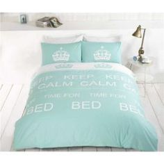 Give your bedroom a retro make over with this classic Keep Calm bedding available in king sizes. Made from soft polycotton, these quilt covers are available in red or taupe, and would make a great gift for teenagers or adults. King Quilt Sets, King Size Quilt, Duvet Sets, Quilt Cover, Bed Covers, Keep Calm, Comforters, Taupe, Quilts