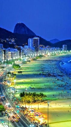 Plaja Copacabana, noaptea - Rio de Janeiro, Brazilia, America de Sud