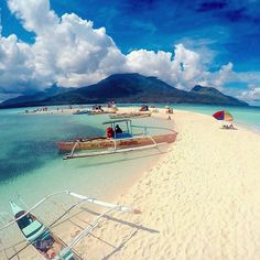 White Island, Camiguin, Philippines ---  Photo by @angeloogy --- #Camiguin #Philippines