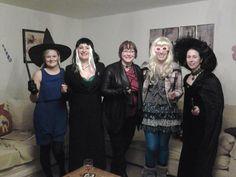 At Hogwarts Diy Party, Dress Ideas, Fancy Dress, Hogwarts, Goth, Harry Potter, Dresses, Style, Fashion