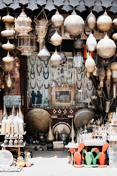The famed medina of Marrakech is a shopper's paradise, but with literally lots of stores packed right into a maze of small alleyways it could be an amazing experience Moroccan Lamp, Moroccan Design, Essaouira Medina, Moroccan Slippers, Ibiza, Morocco Travel, Bohemian Decor, Bohemian Style, Boho