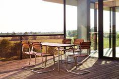 Der klassische Gartentisch - formschön, schlicht und robust - THONET-Möbel - Stühle, Tische, Sessel und Sofas, Design-Klassiker aus Bugholz und Stahlrohr