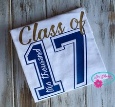 Senior T Shirt Class of 2017 T Shirt High by BeYOUniqueEmbroidery – Senior Shirt… – Abiball Abschlussfeier Baby Shower Erntedankfest (Thanksgiving) Geburtstag Geschenk korb