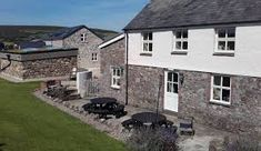2 x Gower Cottages. Perfect for both large and smaller groups, book 1 or both bunkhouses together (sleeps 12 & 14 people). Weekend Breaks, Gower Peninsula, Explore, Adventure, Mansions, Beach, House Styles, Small Groups, Paddle Boarding
