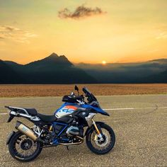 Motorcycle Gear, Bike, Dual Sport, Ducati, Adventure, Vehicles, Instagram, Airplanes, Motorbikes