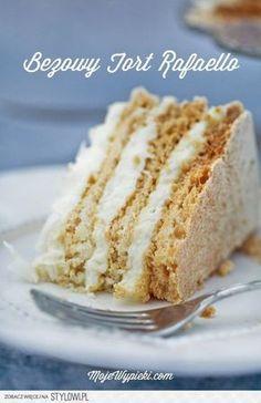 almond meringue layer towards the top Kokos Desserts, Coconut Desserts, Köstliche Desserts, Delicious Desserts, Coconut Cheese, Sweet Recipes, Cake Recipes, Meringue Cake, Baking And Pastry