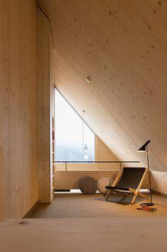 Das Apartmenthotel quartier grenzt an ein neues Wohnviertel, das auf dem ehemaligen Krankenhausareal im Herzen von Garmisch-Partenkirchen entstanden ist. Der Ba