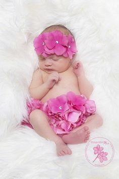 This Is A Popular Photography Prop: Handmade, Hot Pink, Cotton Bloomers Adorned With Quality Hydrangea Flowers Accented With Gems With Matching Headband. A Charming 2-piece Set For Those Adorable Pictures. Also Makes A Lovely Baby Shower Gift, First Birthday Present, And Keepsake.