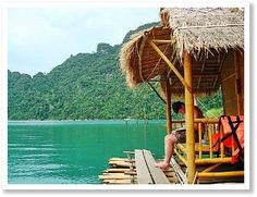 Where To Stay In Thailand | Floating Huts & Beach Bungalows