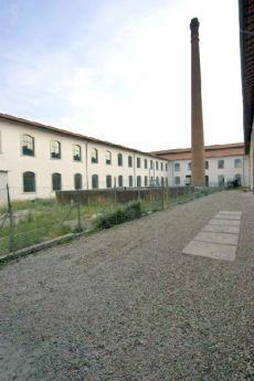Ex Cimatoria Campolmi oggi sede della biblioteca Lazzerini e del Museo del Tessuto.