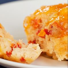 A quick and easy scone recipe made with feta and cheddar cheese. Easy Cheese Scones Recipe from Grandmothers Kitchen. Atkins Recipes, Low Carb Recipes, Cooking Recipes, Entree Recipes, Appetizer Recipes, Appetizers, Cheese Scones, Cheddar Cheese, Savory Scones