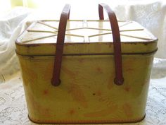 metal tin picnic basket