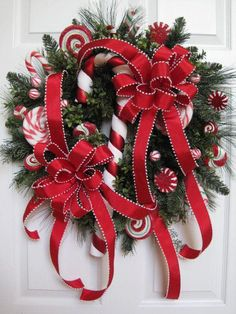 Christmas Candy Wreath like the red ribbon with white edge Christmas Door, Christmas Candy, Winter Christmas, All Things Christmas, Christmas Holidays, Christmas Reef, Merry Christmas, Holiday Candy, Holiday Wreaths