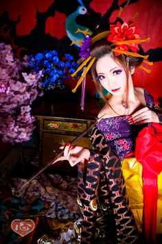 A woman dressed as a neo-oiran at a dress and photo Kyoto Maiko experience