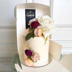 Cake with olives and feta - Clean Eating Snacks Birthday Cake For Women Elegant, Birthday Cakes For Women, 70th Birthday Cake, Pretty Cakes, Cute Cakes, Beautiful Cakes, Mini Cakes, Cupcake Cakes, Macaroon Cake