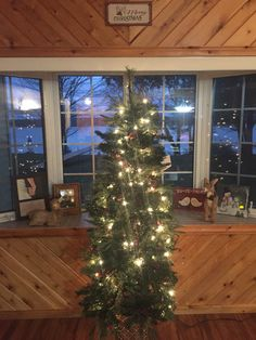First Christmas at the cottage #ilovehubbardlake