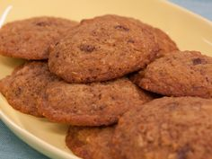 Chocolate Chip Quinoa Cookies Recipe : Food Network - FoodNetwork.com http://www.foodnetwork.com/recipes/chocolate-chip-quinoa-cookies.html