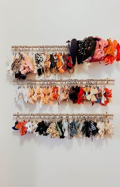 bow storage ideas / ways to store girls bows and headbands DIY