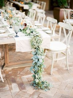 When Lauren + Tom first started planning their wedding, they had no idea where it would be. They live in New York, but Lauren grew up in California, and her parents live in Arizona—so their venue sear