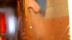 Solutia pulverizata pe oglinda