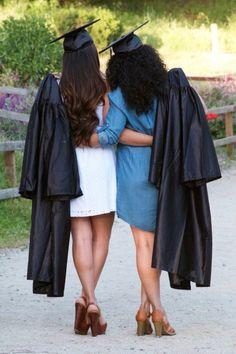 Best-Friend-Graduation-Picture-ideas