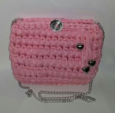 Barbara C.  Handmade crochet pochette for girls. Fettuccia