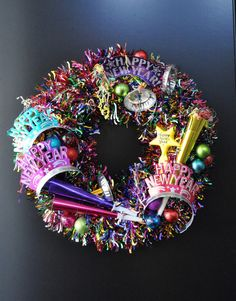 25 DIY Coolest NYE Ideas (New Year Eve Projects) -- Wreath for NYE