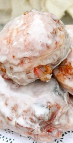 Glazed Fresh Strawberry Fritters - Her Cup of Joy Donut Recipes, Cooking Recipes, Ham Recipes, Breakfast Recipes, Dessert Recipes, Fritters, So Little Time, Cake Pops, Biscuits