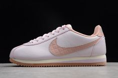 best service 148b7 1c876 Women s Nike Classic Cortez Leather Lux Pearl Pink 861660-600