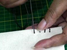 Hand Sewing - The Blanket Stitch. The blanket stitch is considered a decorative finish to a sewing project. It's used on hems, fleece fabrics among others. Sewing Stitches, Embroidery Stitches, Hand Embroidery, Sewing Patterns, Crochet Patterns, Sewing Basics, Sewing For Beginners, Sewing Hacks, Sewing Tips